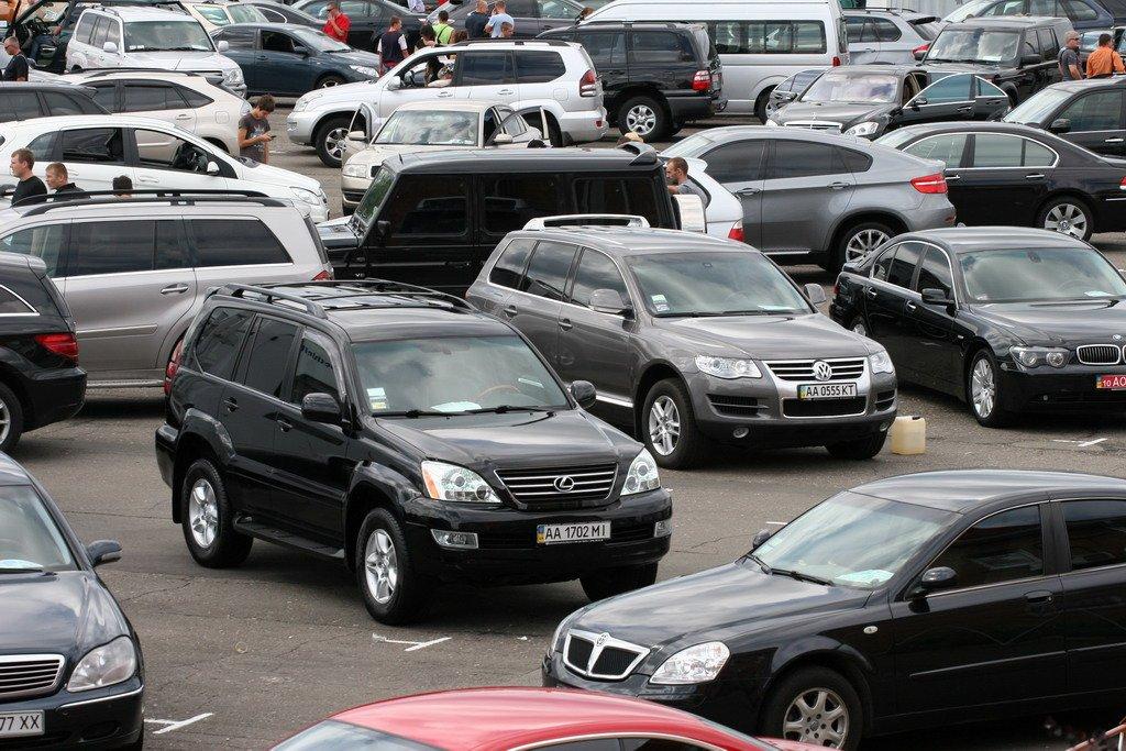 Покупка б/у автомобиля на рынке Украины