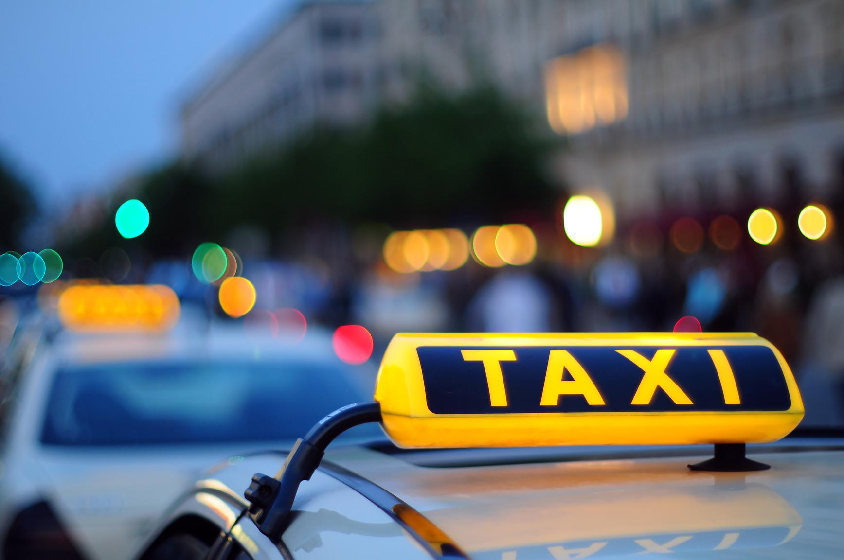 Особливости роботи в таксі в Україні