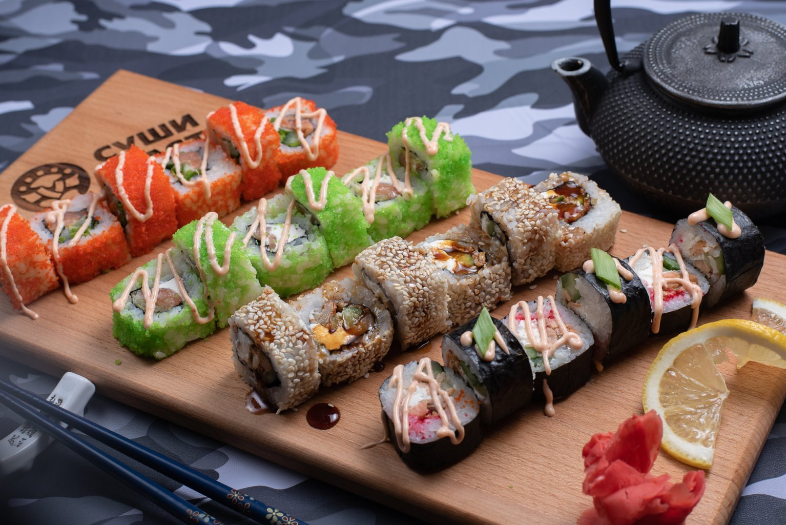 Подача японских блюд в «Sushi-Master»
