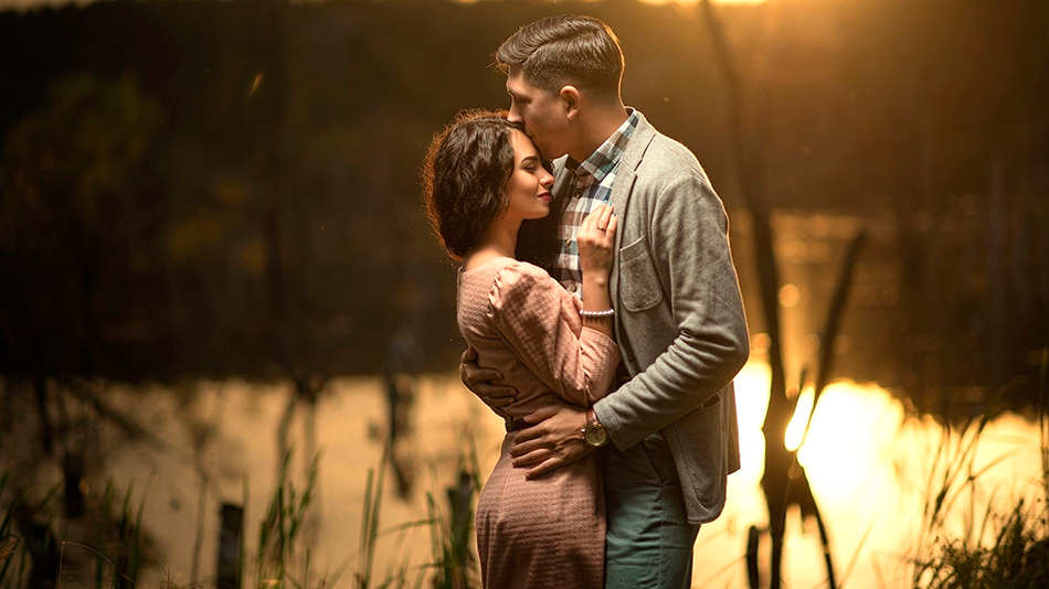 Картина – как подарок на свадьбу молодоженам: начало отношений