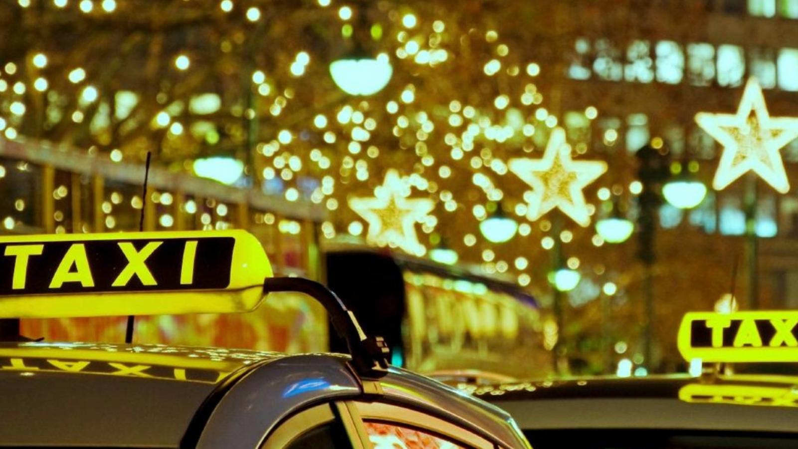 Робота у таксі на свята: оплата за подвійним тарифом