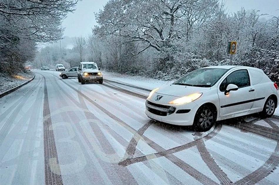 Неконтролируемый занос автомобиля зимой – следствие низкого качества зимней резины
